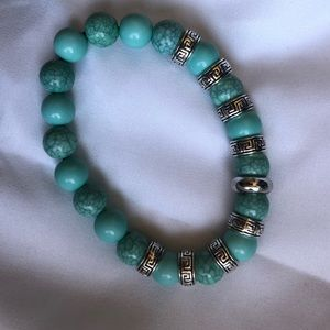 🆕 2/$9 turquoise and silver beaded bracelet